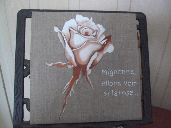 Rose  sur Lin  accompagnée d'une petite partie du poème de Ronsard.
