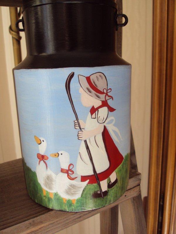 Voici la suite de la commande, laitière avec un motif déjà fait sur lin, choisi par la personne.