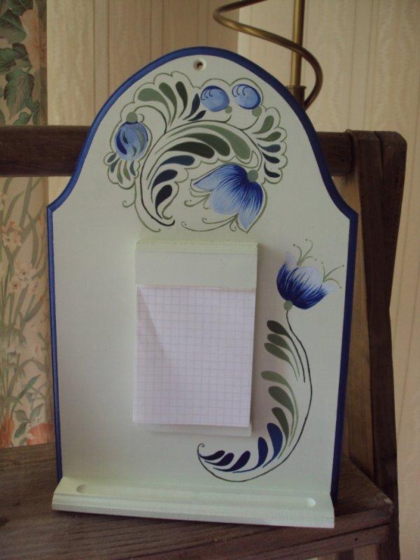 Mémo bois avec carnet interchangeable motif peinture paysanne.