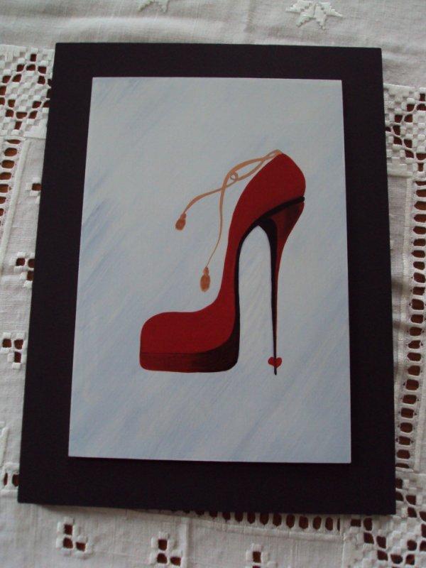 Une autre chaussure rouge.