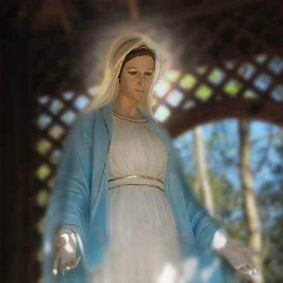 Marie Notre Maman à Tous et Toutes