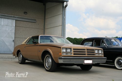 Buick Century Landau 1977.  V6