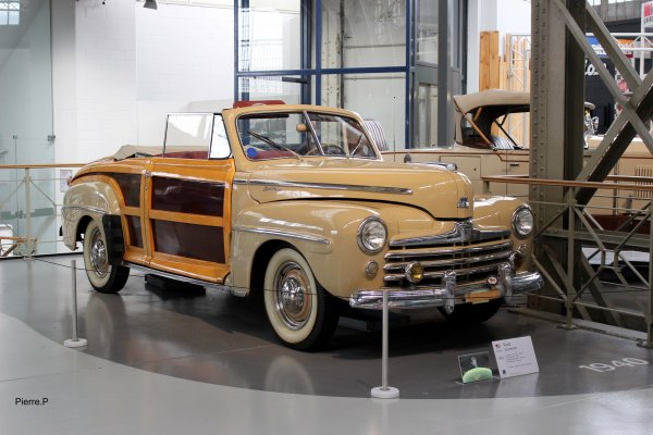 1946 Ford Sportsman woodie.