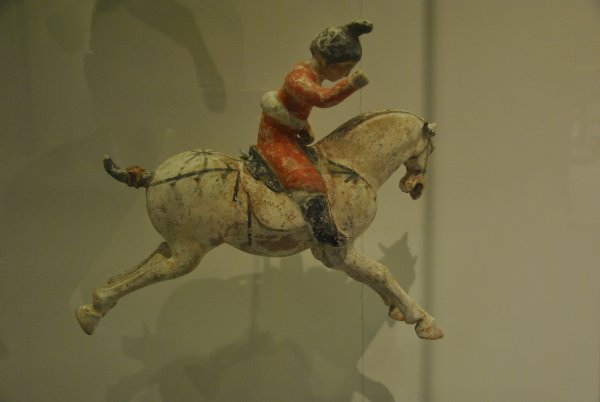 "PARIS  MUSEE GUIMET      ""   PLACE   AUX   CHEVAUX ""    photo SM07"