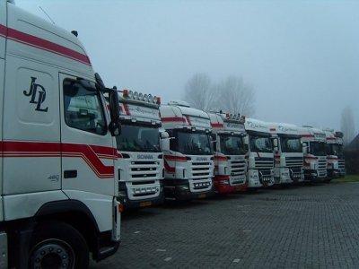 La flotte de Jan Diepeveen à leur dépôt de Gendt (NL).