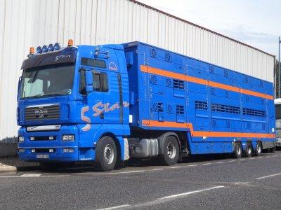 Man TGA 18-530 appartenant aux transports Perrin (69).