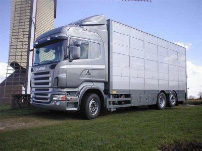 Un porteur Scania de chez Werner Gonnissen.