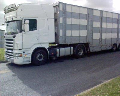 Un autre camion vu au boulot, ce Scania R420.