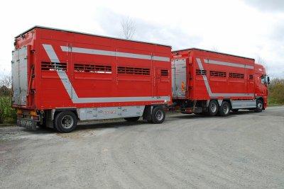 La demi-douzaine de camions remorques sont carrossés par Pezzaioli.
