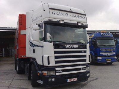 Scania 164L 480 resté très propre. Il appartient à Guiot & Maho (B).