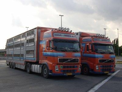 Deux Volvo néerlandais pour boucler cette série.