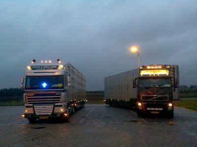 Deux autres photos de ce transporteur avec le même Daf.