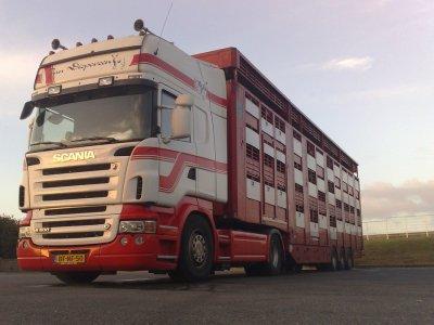 Ils ont essentiellement des Scania R500 similaires à ceux-là.