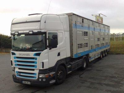 Un Scania R480 qui appartient aux transports Parfouru (14).