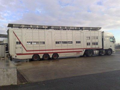 La dernière semi Finkl des transports Bardy Bresse (71).