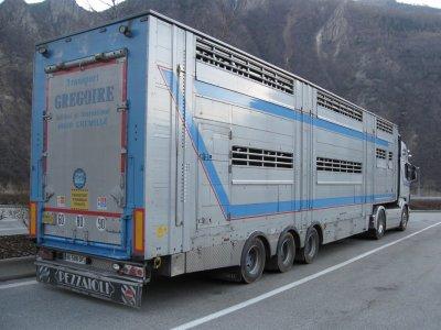 Un petit Gregoire (49) en passant, de nouveau un Scania R620.