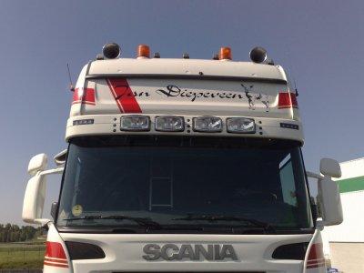 Un nouvel ensemble chez Jan Diepeveen (NL), ce Scania quelque peu spécial.