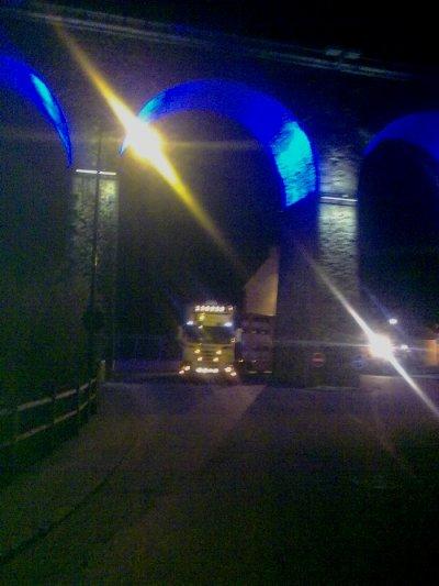 Trois photos du camion de Wolter envoyées par Bluetooth.