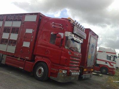 Le superbe camion remorque du patron, David Loret.