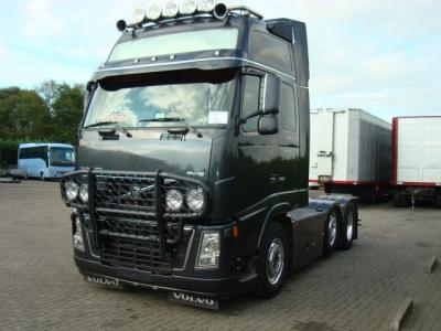 Ma marque favorite et pour cause, admirez ces Volvo et leurs moteurs de 16L.