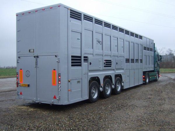 Ultime présentation des semi-remorques Cattle-Cruiser carrossées par Faro.