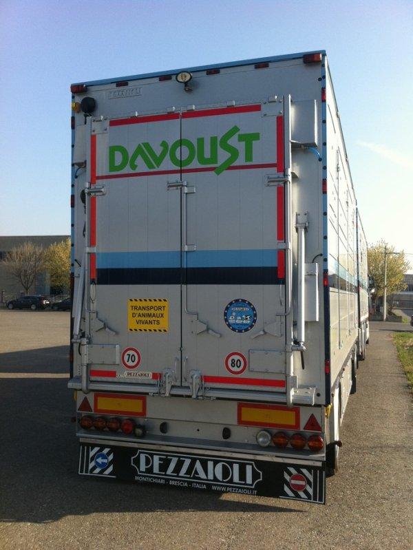 Nouveau camion remorque Volvo FH13 500 pour les transports Davoust (22).