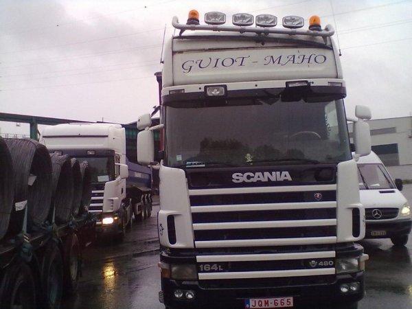 Nouveau tournant en 2010, Michaël obtient la licence de transport LTC.