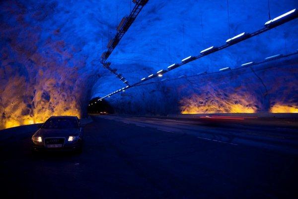 Camions et paysages aux détours d'un voyage en Scandinavie effectué en 2011.
