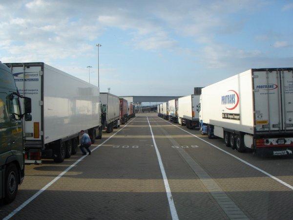 Retour en Angleterre avec un complet de carrelage chargé à Castellón (E).