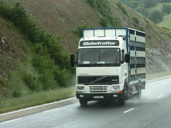 Toujours en chasse aux Volvo et aux Man sur les routes du Sud-Ouest.