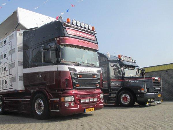 Scania Torpedo 143M 420 de Maurits Haasnoot installé à Hoenzadriel (NL).