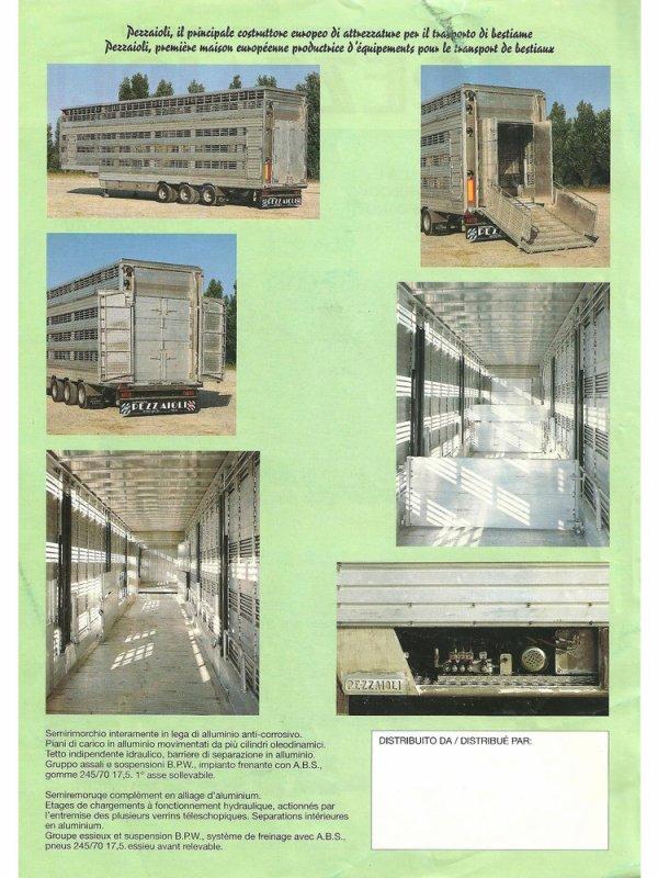 En 1992, une carrosserie est réalisée sur une semi à structure autoportante.