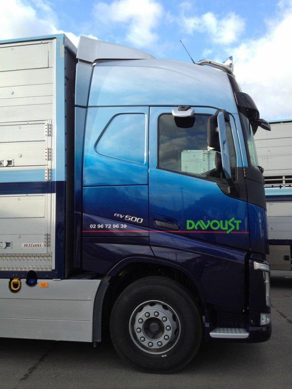 Volvo New FH13 500 EEV de la société de transport Davoust (22).