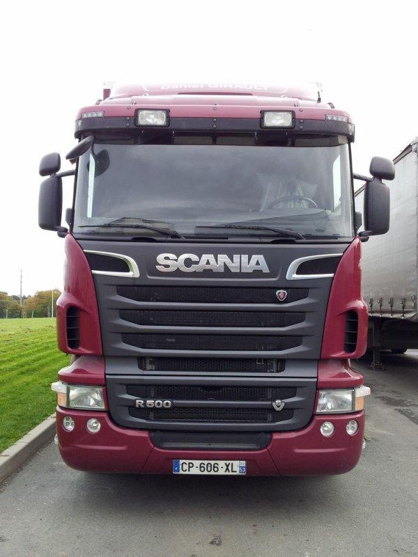 Scania R500 8x2 du négociant de bestiaux Daniel Girault de Chantrigné (53).