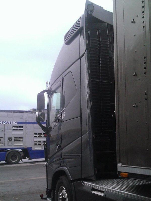 Volvo FH16 600 de chez Sucatrans, un transporteur basé à Ruiselede (B).
