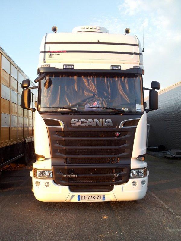 Nouveau Scania R560 des transports Chevalier-Marquet de Lanrelas (22).