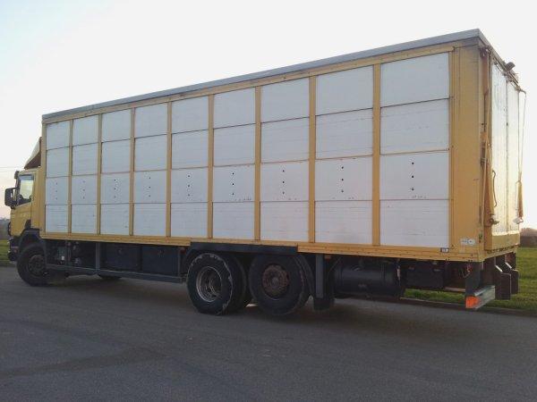 L'autre tracteur récemment acquis par le transporteur est un Scania R480.