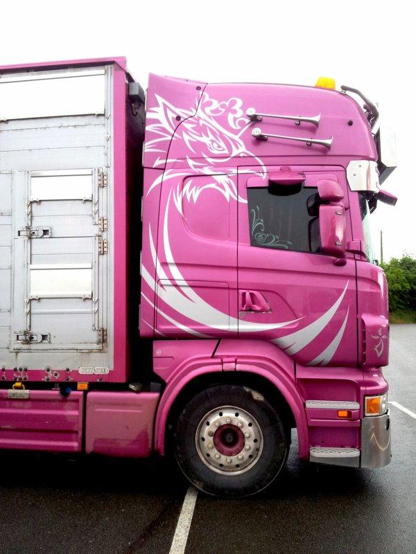 Un mythique Scania, le R620 propriété actuelle de STI de Plouescat (29).