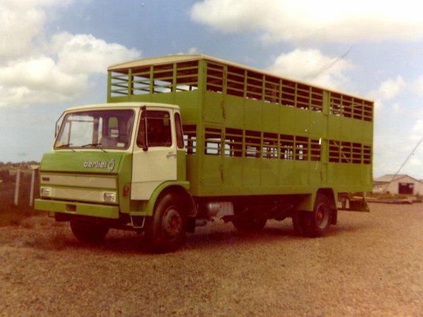 Du charronnage à la bétaillère, l'histoire de la carrosserie Guitton (22).