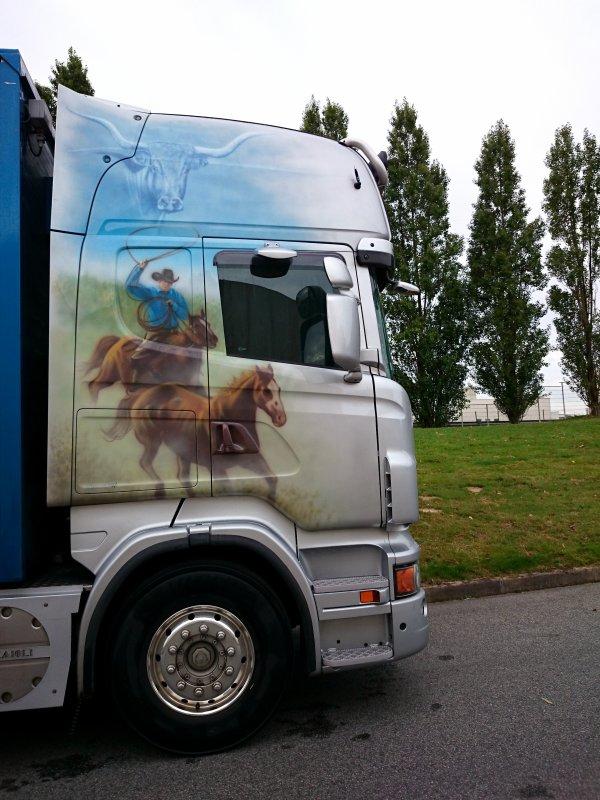 Scania R560 décoré à Jean-Claude de Transbest située à Trélissac (24).