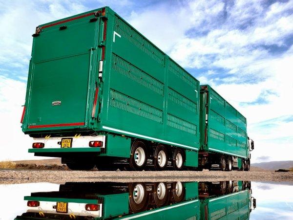 La firme a décliné un éventail de bétaillères sur tous les supports possibles.