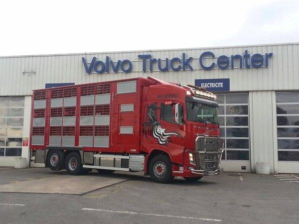 Volvo FH16 550 An Ankou des transports David Gourlaouen de Loudéac (22).