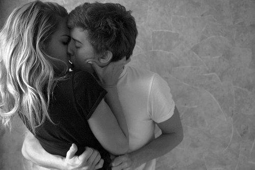 Quand on aime quelqu'un, c'est fou comme on pense moins aux autres !
