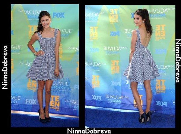 """07/08/11 : C'est une magnifique Nina que l'on retrouve lors des """"Teen Choice Awards 2011"""" ."""