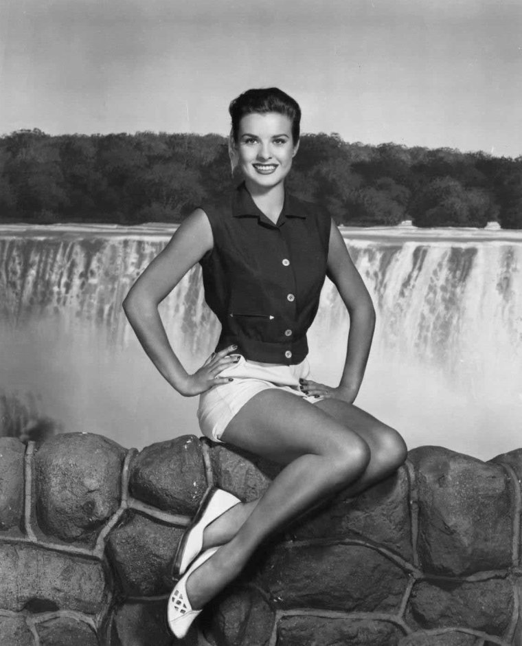 Jean PETERS (15 Octobre 1926 / 13 Octobre 2000) (photo N.B. 1952)