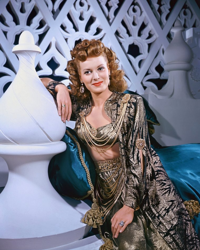 Maureen O'HARA (17 Août 1920) (photo couleur 1947)