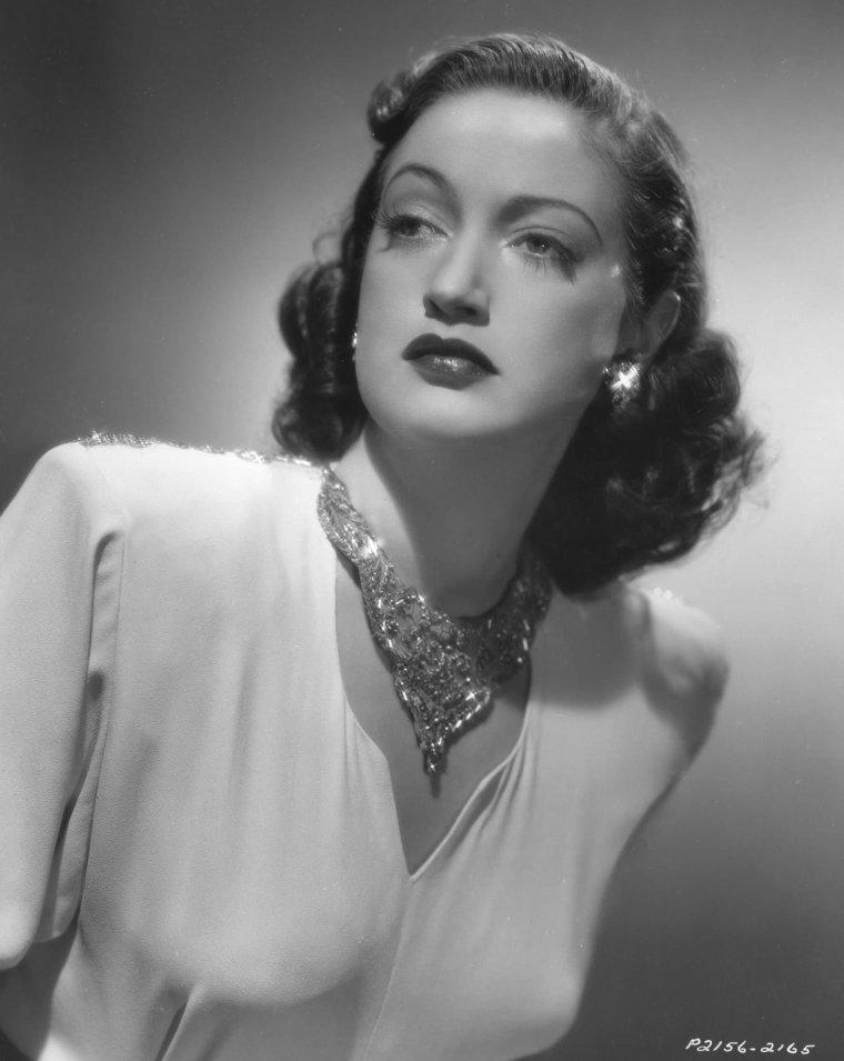 Dorothy LAMOUR (10 Décembre 1914 / 22 Septembre 1996)