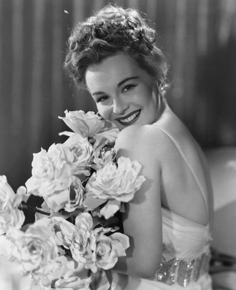 Eva GABOR (11 Février 1919 / 4 Juillet 1995) (photo couleur 1958)