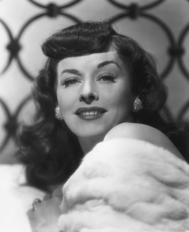 Paulette GODDARD (3 Juin 1910 / 23 Avril 1990) (photo N.B. 1948)