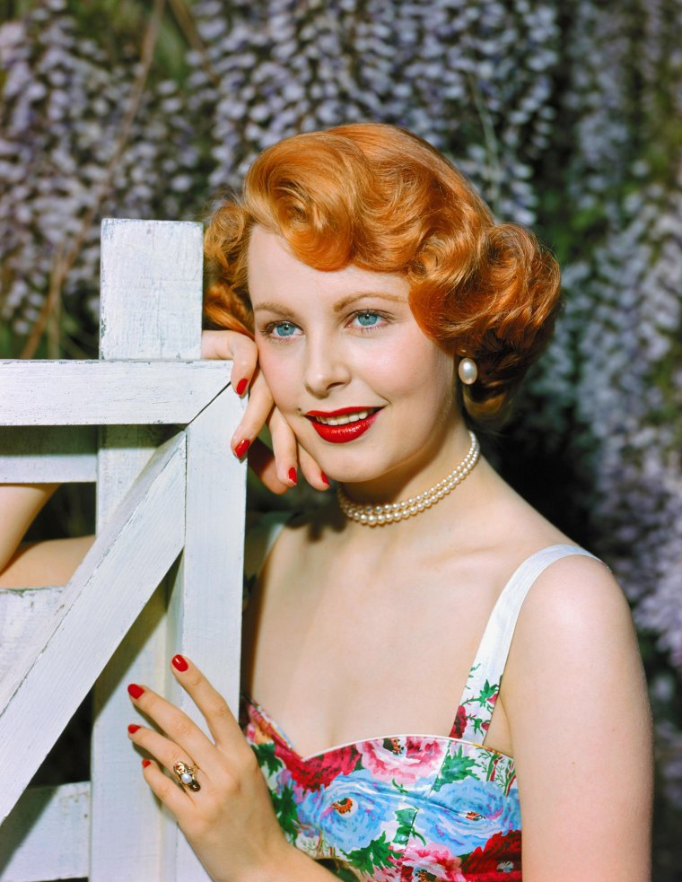 Arlene DAHL (11 Août 1925) (photo N.B. 1953)